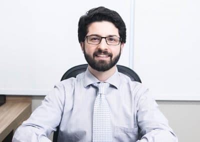 DR. LUCAS BARNES